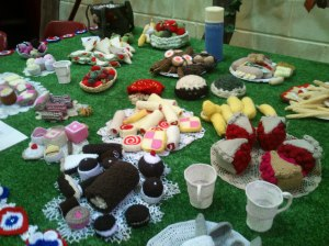 Knitted picnic